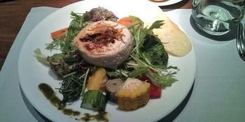 焼きカマンベールのサラダ.jpg